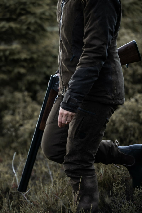Northern Hunting Elk Svana jagtbukser portrait2