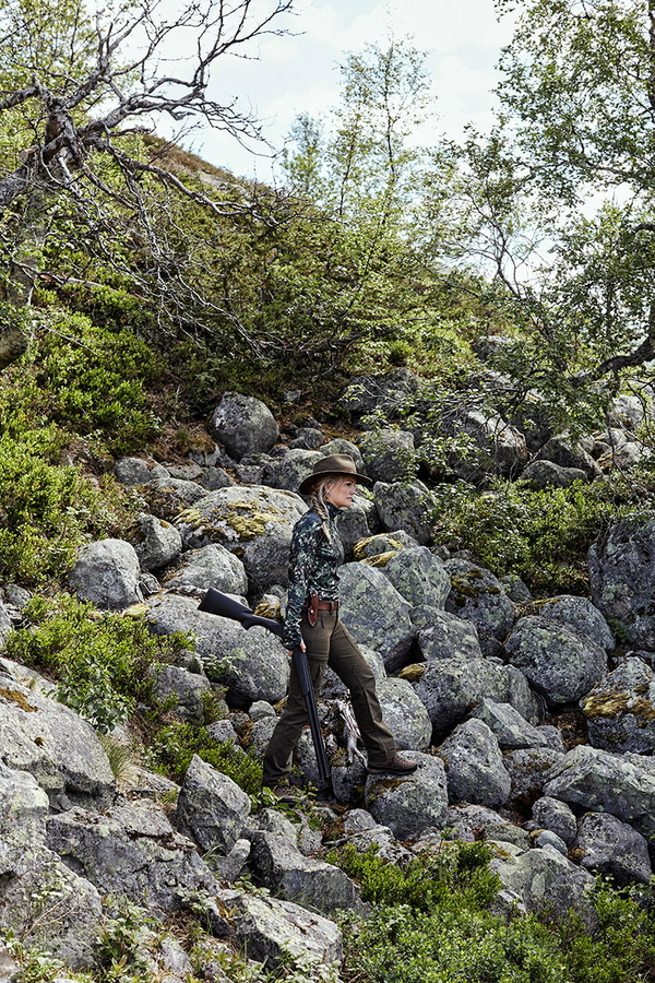 Northern Hunting Frigga Unn Green dame portrait