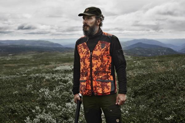 Northern Hunting Roald jagtkasket portrait2